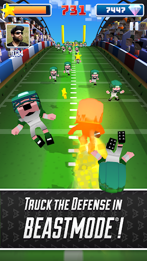Marshawn Lynch Blocky Football screenshot 5